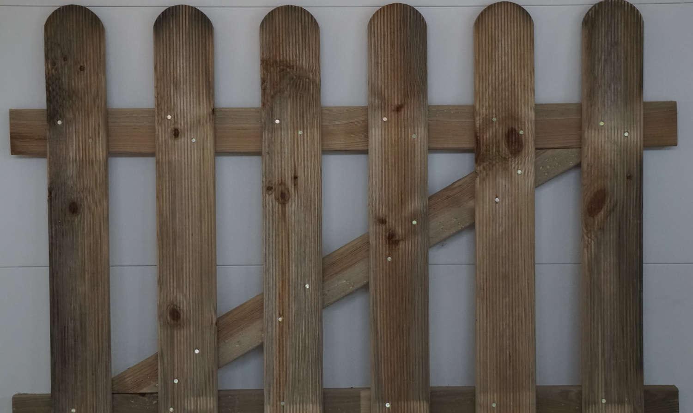 Cancelletto In Legno : Cancelli cancelletti in legno pino costruzioni group srls