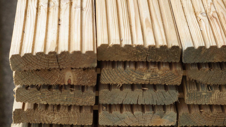 Quadrelli e tavolame in legno - Tavole legno massello ...